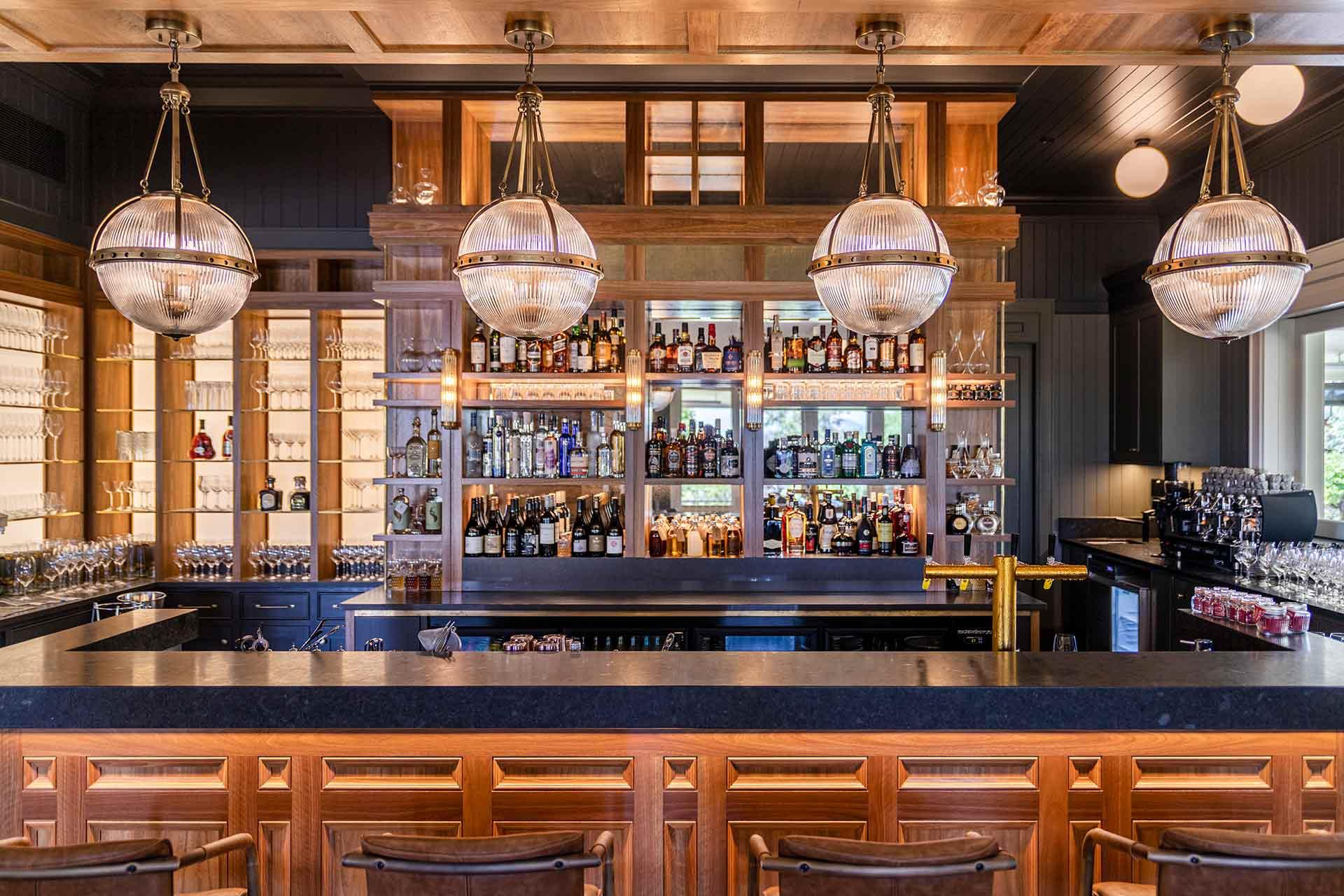 Sliced Veneer Interior Design for Bars and Restaurants